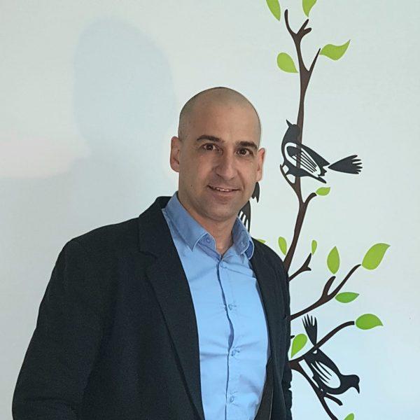 אמיר דולב – אינטליגנציה חיובית והשקרים שסיפרו לנו על הצלחה