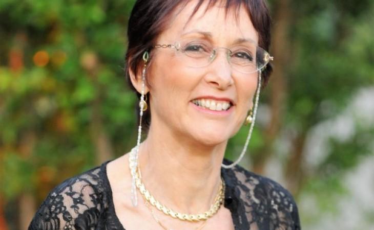 דר' מירי גלעד – יוצרת וחוקרת תרבות על עידן מרוץ החיים
